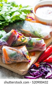Spring rolls with rice paper and vegetables