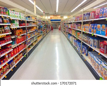 Grocery Store Aisle Images, Stock Photos & Vectors