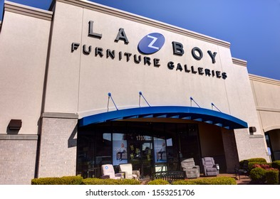 """Springfield, Missouri - November 4, 2019: La-Z-Boy Inc. (pronounced """"lazy boy"""") is an American furniture manufacturer based in Monroe, Michigan. Their products are sold in the US & other countries."""