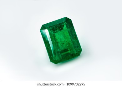 square emerald and gemstone to jewels stone
