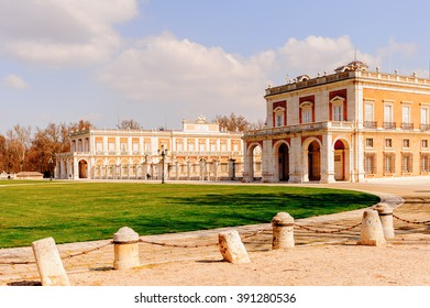 Square near the Palacio Real de Aranjuez, Spain