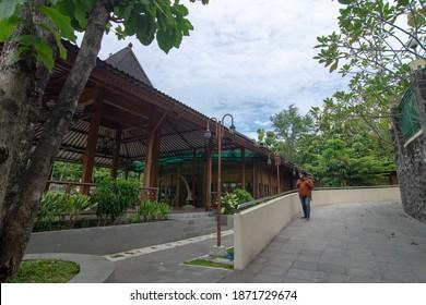 Sragen, 30 November 2020 : Inside of Sangiran Early man site museum