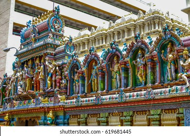 The Sri Krishnan Temple in Singapore is a beautiful Hindu on Waterloo Street
