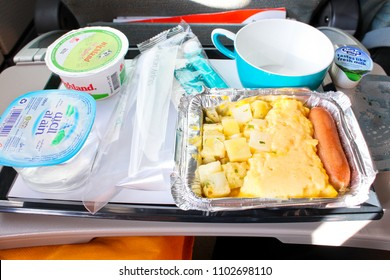 SRILANKA AIRLINES 2015 - Srilanka airlines breakfast meal is set on the tray and ready to eat where the plane is flying to Singapore during October holiday season