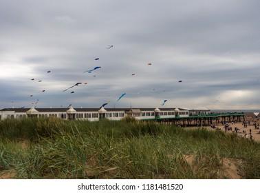 St Annes, Fylde Coast, Lancashire, UK. September 2nd 2018. Spectators and visitors enjoying the St Annes International Kite Festival, St Annes, Fylde Coast, Lancashire, Uk