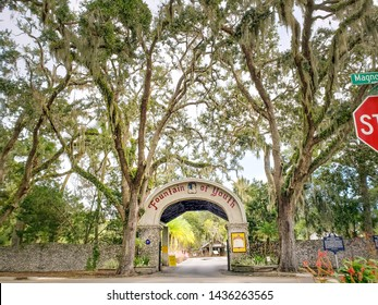 St. Augustine, Florida / The United State - Nov 03, 2018 : View Light is filtered in through the leaves of the oak trees in front of Fountain of Youth Archaeological Park in Magnolia Avenue
