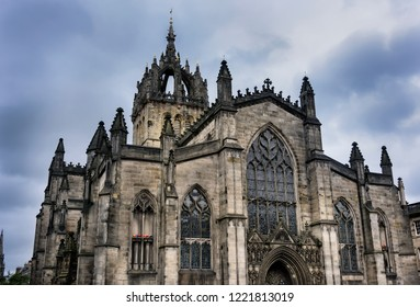 St Giles Cathedral, (High Kirk of Edinburgh), is the central place of worship of the Church of Scotland in Edinburgh and is present on the Royal Mile.