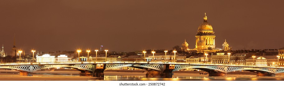 St. Isaac's Cathedral, the Annunciation bridge. Winter city Saint-Petersburg, Russia