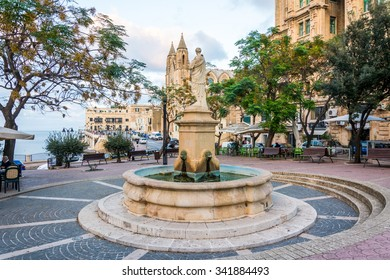 ST JULIANS, MALTA - NOVEMBER 13, 2015: Balluta Square view in St. Julian's, Malta on November 13, 2015.