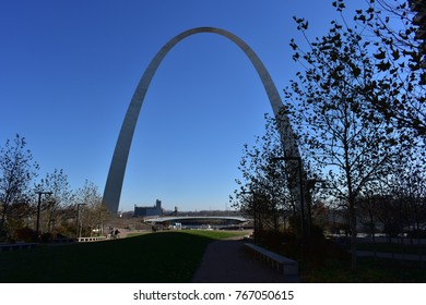 St. Louis Gateway Arch during daytime