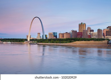St. Louis. Image of St. Louis downtown with Gateway Arch at twilight.