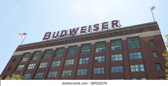 ST. LOUIS - JULY 8, 2012: The Budweiser brewery at the Anheuser-Busch headquarters hosts 300.000 visitors annually on July 8, 2012 in St. Louis. The complimentary tour is offered throughout the year.