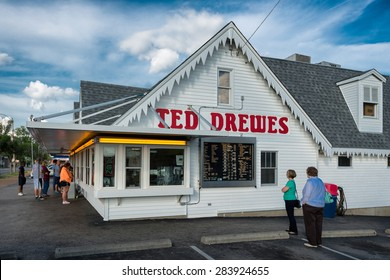 ST. LOUIS, MISSOURI - MAY 28: Ted Drewes Frozen Custard on Chippewa Street on May 28, 2015 in St. Louis, Missouri