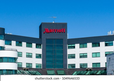 ST. LOUIS PARK, MN/USA - MARCH 17, 2018: Courtyard by Marriot exterior sign and logo. Courtyard by Marriott is a brand of hotels owned by Marriott International.