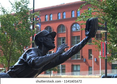 ST. LOUIS - SEPTEMBER 18: Ozzie Smith Statue outside Busch Stadium, home of the Cardinals, on September 18, 2010 in St. Louis. Opened in 2006, it seats 43,975 and cost $365 million.