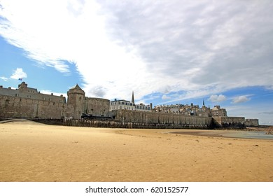 St Malo, between sand and clouds (Brittany France)