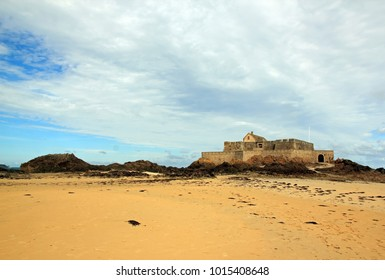 St Malo, fort in low tide (Brittany France)