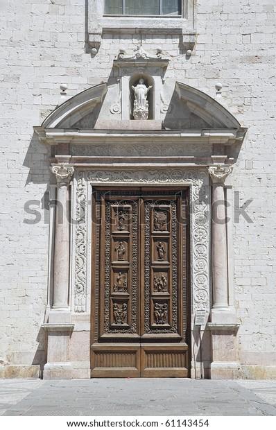 st-maria-maggiore-church-spello-600w-611