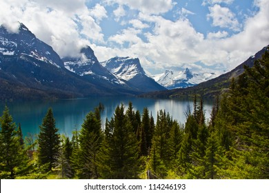 St Mary lake in Glacier National Park in Montana, USA
