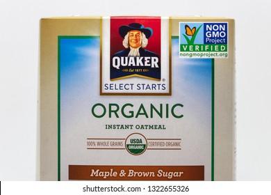 ST. PAUL, MN/USA - FEBRUARY 24, 2019: Quaker Select Starts Organic Oatmeal box with Non GMO Verified label and trademark logo.