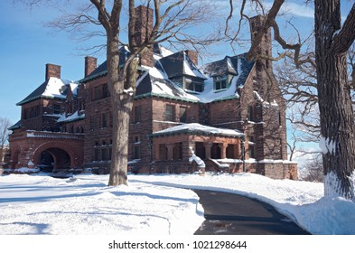 ST. PAUL, MN/USA – JANUARY 23, 2018: The largest home on St. Paul's historic Summit Avenue, the elegant Hill House is a marvel of late-1800s technology. The home is open for tours and other events.