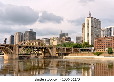 ST. PAUL, MN/USA - SEPTEMBER 30, 2018: The downtown St. Paul skyline in early morning featuring the Lafayette Bridge and Mississippi River.