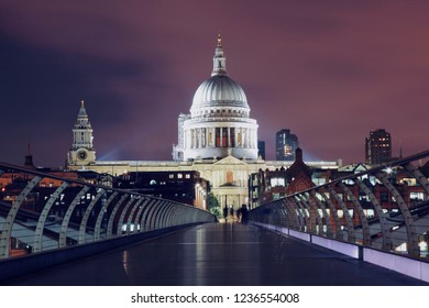 St Pauls Cathedral at night, view from the Millennium Bridge