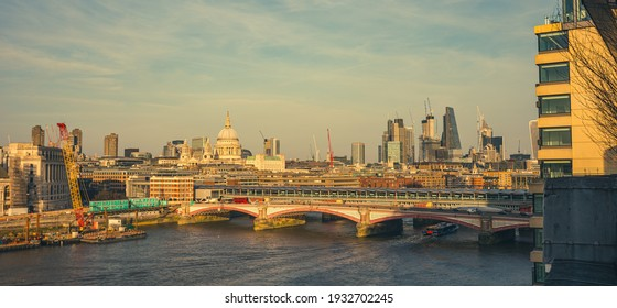 St. Paul's Cathedral-the Anglican river temsa