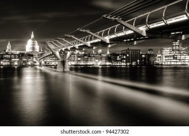 St Paul's and the City of London from the south bank of the River Thames below Millennium Bridge (monochrome)