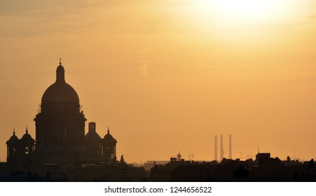St. Petersbourg, Russia - Mar 18 2015: St Isaac's cathedral silhouette over the roofs