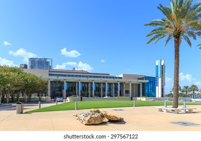 ST. PETERSBURG, FLORIDA - SEPTEMBER 2: Exterior of Salvador Dali Museum September 02, 2014 in St. Petersburg, FL. The museum has one of the largest collection of works of Salvador Dali in the world.