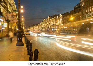 """St. Petersburg on 05/15/2018. """"Ploshchad Vosstaniya"""" in the evening with the lights on for the exhibition with squealing lights of cars"""