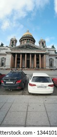 St. Petersburg, Russia 02 march 2019: Cars in front of St. Isaac's cathedral in early spring