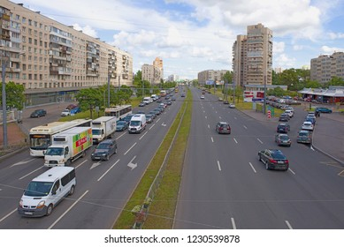 ST. PETERSBURG, RUSSIA - AUGUST 13, 2018: Slava Avenue in the cloudy August afternoon