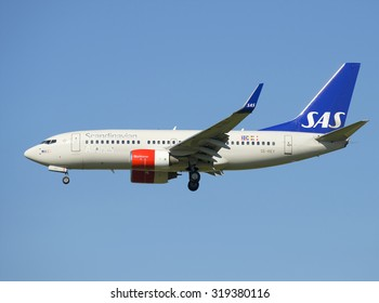 ST. PETERSBURG, RUSSIA - AUGUST 21, 2015: Aircraft Boeing 737-700 (SE-REY) SAS airline before landing at the airport Pulkovo
