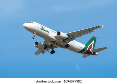 ST. PETERSBURG, RUSSIA - MAY 08, 2018: Airbus A320-200  of Airline Alitalia . Board number EI-DSL.  Before landing in the Pulkovo Airport