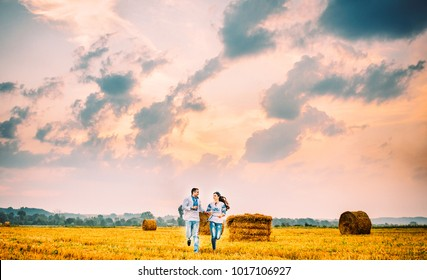 St. Valentine's Day. Ukraine. Happy couple in Ukrainian costumes, love couple, love, happy couple, Ukraine, Europe, summer, village, Ukrainian style