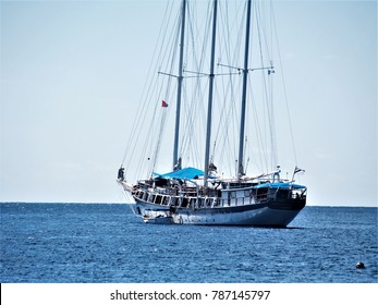 St. Vincent and the Grenadines, Young Island, Tall ship