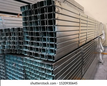stack of​ galvanize​d​ light​ lip​ channel​ steel​ or galvanized​ c​ channel steel​