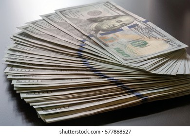 Stack of United States of America USD 100 One Hundred Dollars Federal Reserve Note Fan Out
