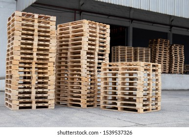 Stack wooden pallets for industrial and transport