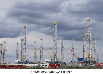 Rig Down Images, Stock Photos & Vectors | Shutterstock
