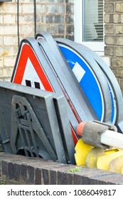 Stacked road transport signs