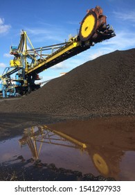 stacker reclaimer is used to transfer coal to the conveyor belt