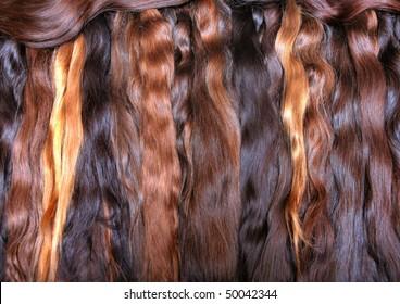 Säcke mit gewellter Haarverlängerung