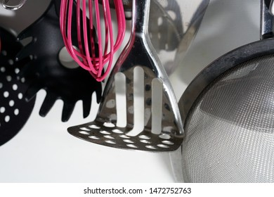 Stainless steel potato masher may not be missing in any kitchen very well suited for making mashed potatoes