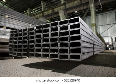 Stainless steel rectangular bars of metal