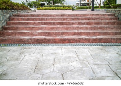 staircase red plate