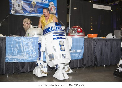 STAN LEE LOS ANGELES COMIC CON: October 29, 2016, Los Angeles, California. Cosplayers, fans and vendors come out for the annual pop culture convention in Downtown Los Angeles. Replica R2D2 droid.