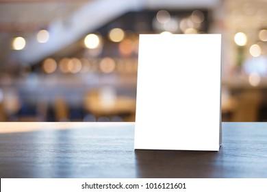 Standmock up Menu Rahmen Zeltkarte unscharfer Hintergrund Design Schlüssel visuelles Layout.